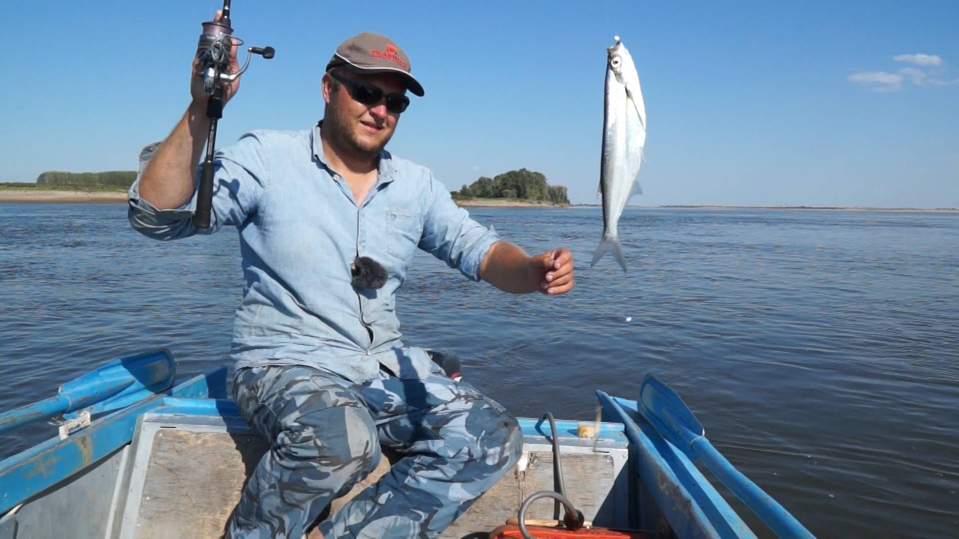 на что ловить рыбу в ленобласти с берега